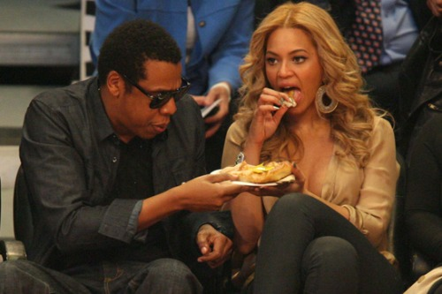 Awkward Pictures Of Celebrities Eating 1294489557