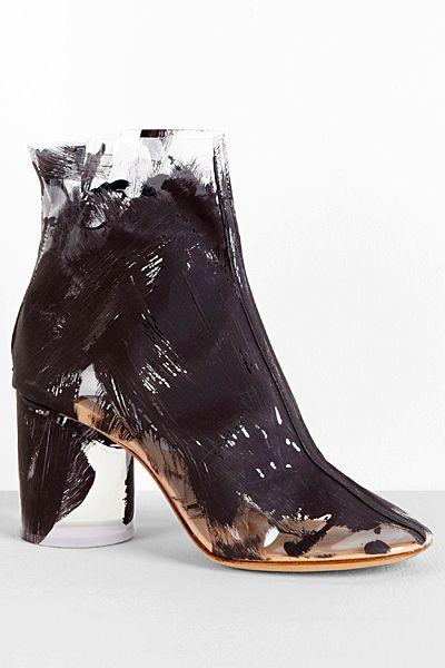 30 Weirdest Shoes In The World 1842943991