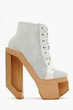 30 Weirdest Shoes In The World 2079064387
