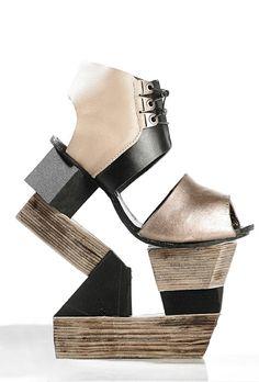 30 Weirdest Shoes In The World 2114289621
