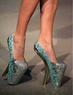 30 Weirdest Shoes In The World 1497470012