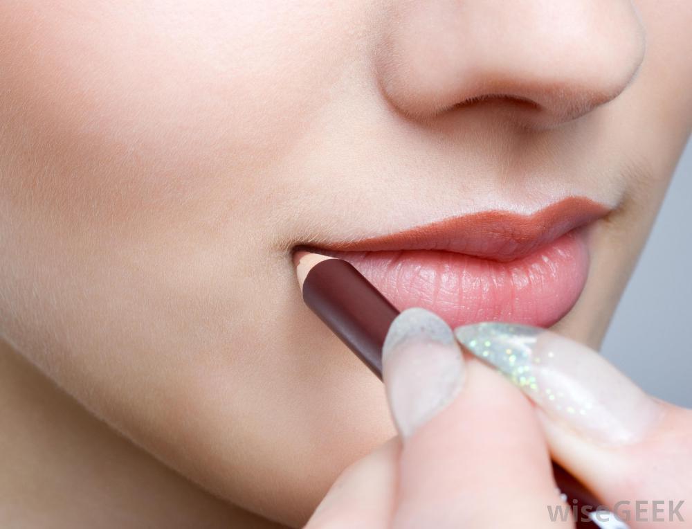 5 DIY Tips To Plumper Lips