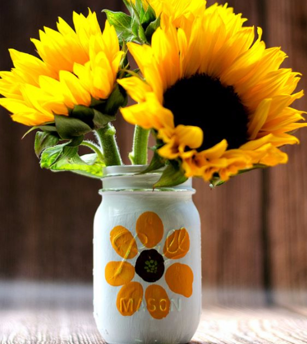 Beautiful Mason Jar Fall Crafts