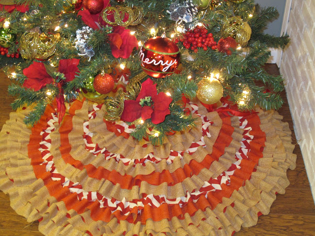 8 No-Sew Tree Skirts To Make Your Tree Look Amazing
