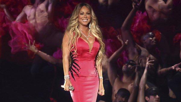 Mariah Carey Performs New Single