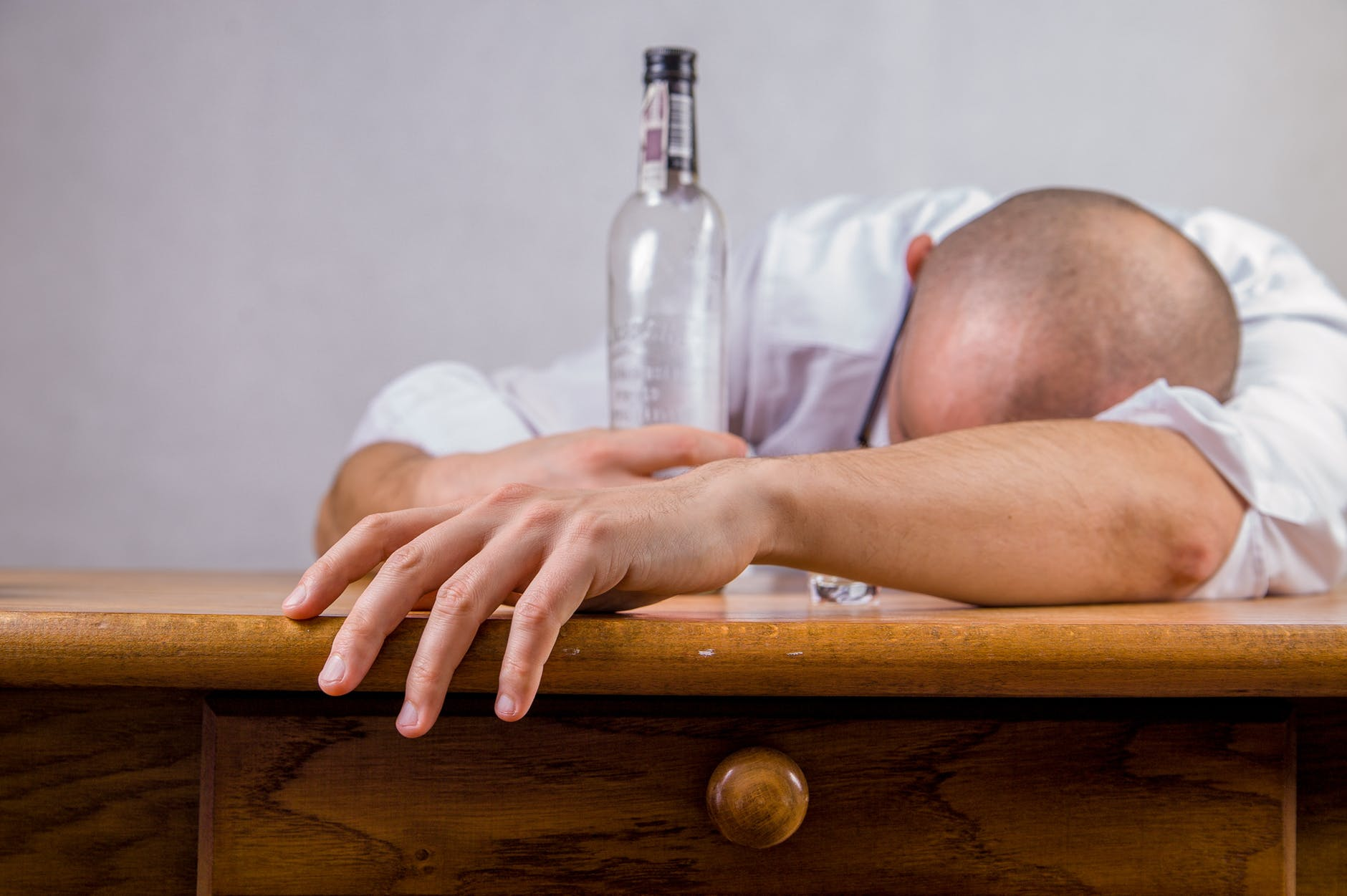 5 Natural Ways To Cure A Hangover