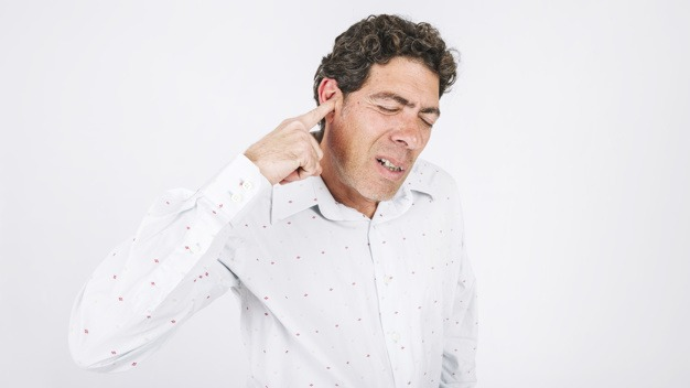 5 Simple Remedies To Treat Itchy Ears