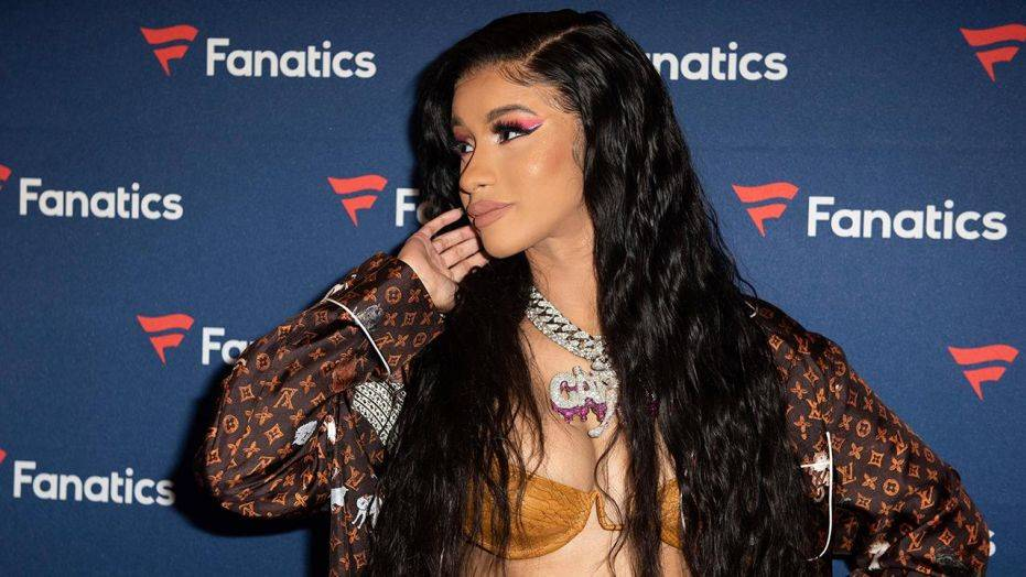 Cardi B Defends Herself For Drugging and Robbing Men #8220;I Had Very Limited Options#8221;