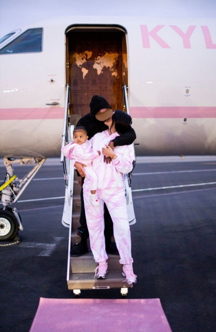 Kylie Jenner Posts Sweet Family Picture With Travis Scott And Stormi