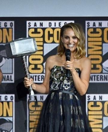 Natalie Portman Will Play Female Thor In New Movie