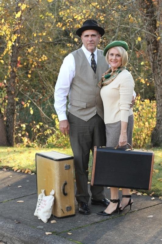 12 Best Couples Halloween Costumes 263803704