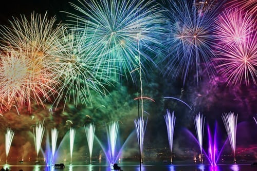 Top 5 Fireworks Displays Around the World 89962002