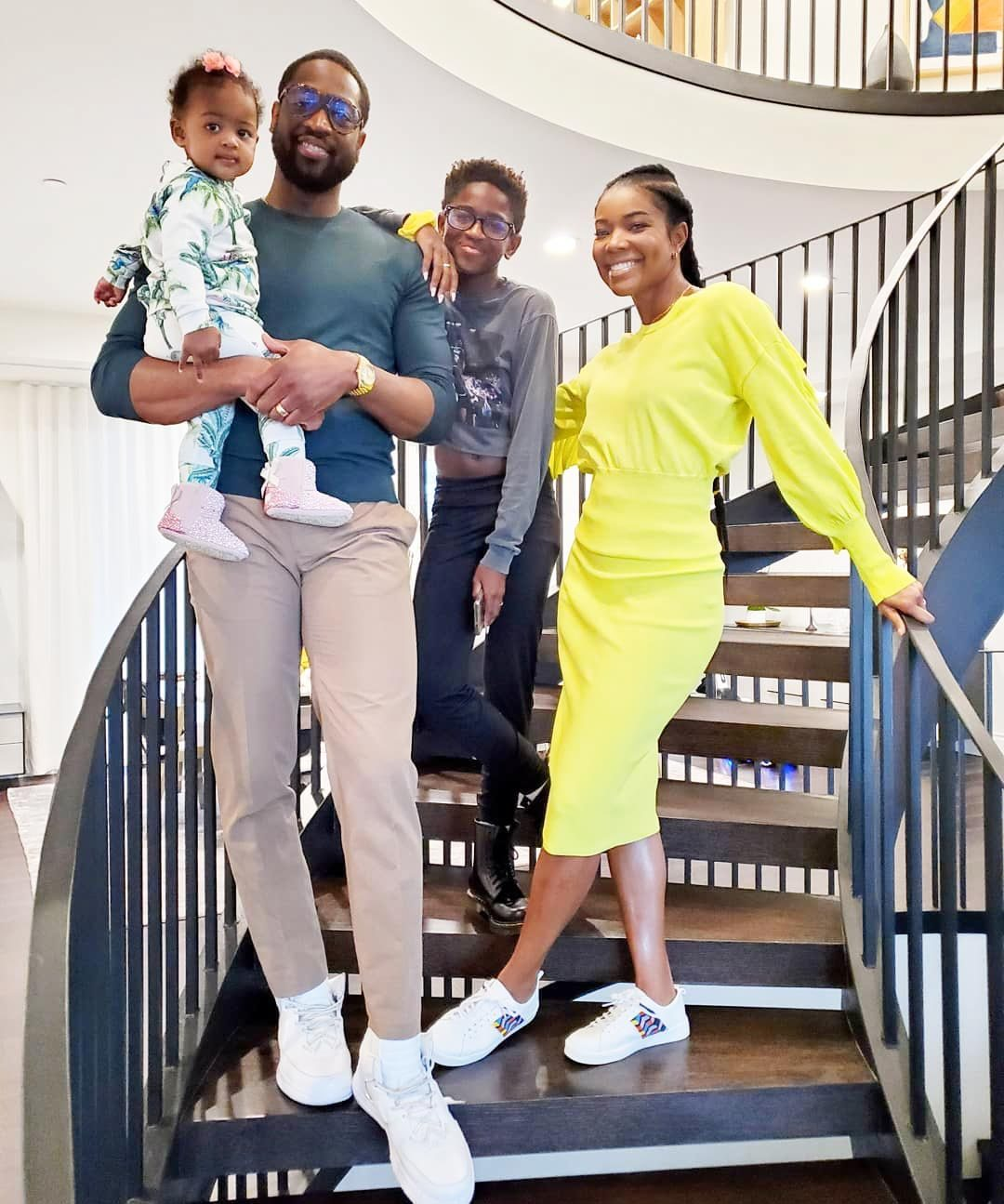 Dwyane Wade Responds To The Hate Over His Sons Outfit In Thanksgiving Family Photo 71144698