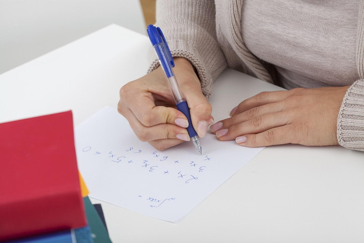 How Students Can Write An Excellent Essay For College 2021877740